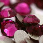 Kristall Eisen auf Nagelkopf, Dom, flache Rückseite & facettierte, Fuchsia, Grade A, 1.9-2.1mm, 10Grosses/Tasche, 144PCs/brutto, verkauft von Tasche