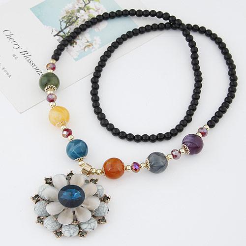 Harz Pullover Halskette, mit Zinklegierung, Blume, goldfarben plattiert, mit Strass, weiß, frei von Blei & Kadmium, 700x50mm, verkauft per ca. 27.56 ZollInch Strang