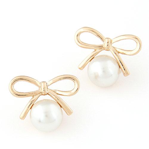 Zinklegierung Ohrstecker, mit ABS-Kunststoff-Perlen, Schleife, goldfarben plattiert, weiß, frei von Blei & Kadmium, 21x17mm, verkauft von Paar