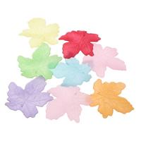 Acryl Anhänger, Blatt, satiniert & transluzent, gemischte Farben, 52x50x2mm, Bohrung:ca. 1mm, ca. 180PCs/Tasche, verkauft von Tasche