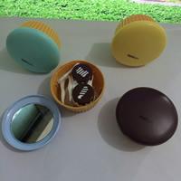 Kunststoff Kontakt Objektiv-Fall, mit Glas, Kuchen, mit Brief Muster, gemischte Farben, 50mm, 5PCs/Tasche, verkauft von Tasche