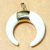 Weiße Porzellan Anhänger, mit Messing, Mond, vergoldet, natürliche, 38x40x8.50mm, Bohrung:ca. 5x7mm, 5PCs/Menge, verkauft von Menge