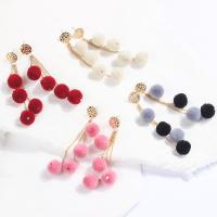 Zinklegierung Tropfen Ohrring, mit Plüsch, goldfarben plattiert, für Frau, keine, frei von Nickel, Blei & Kadmium, 35x95mm, verkauft von Paar