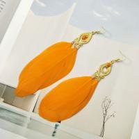 Zinklegierung Tropfen Ohrring, mit Feder, goldfarben plattiert, gefärbt & für Frau, keine, frei von Nickel, Blei & Kadmium, 60*40mm, verkauft von Paar