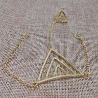 Zink-Legierung Armband-Ring, Zinklegierung, mit Verlängerungskettchen von 5cm, Dreieck, goldfarben plattiert, Koreanischen Stil & für Frau, frei von Nickel, Blei & Kadmium, Länge:ca. 7.09 ZollInch, 5SträngeStrang/Menge, verkauft von Menge