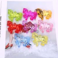 Acryl Anhänger, Pferd, plattiert, gemischte Farben,  49*41mm, 500G/Tasche, verkauft von Tasche