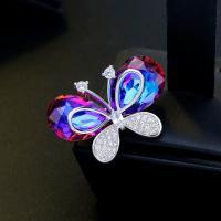 Messing Brosche, mit kubischer Zirkonia, Schmetterling, plattiert, für Frau, Silberfarbe, frei von Nickel, Blei & Kadmium, 24*34mm, verkauft von PC