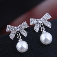 Befestiger Zirkonia Messing Ohrring, mit Kunststoff Perlen, plattiert, Micro pave Zirkonia & für Frau, Silberfarbe, frei von Nickel, Blei & Kadmium, 18*15mm, verkauft von Paar
