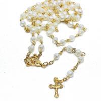 Plastik-Perlenkette, Kunststoff Perlen, mit Zinklegierung, Jesus Kreuz, plattiert, unisex, Goldfarbe, 12x20mm, verkauft von Strang